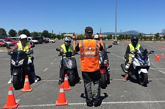 Éxito del curso para usuarios de motocicletas de 125 cc