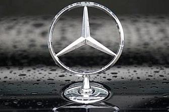 Mercedes-Benz alerta de problemas en el capó activo de los Clase E