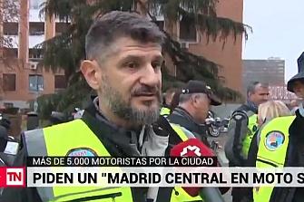 """Miles de motoristas toman las calles de Madrid al grito de """"Madrid en moto sí"""""""