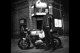Fotos Espía: Triumph Bonneville 1100 y David Beckham