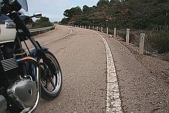 Fomento publica un balance de Legislatura sin inversión para la seguridad de los motoristas