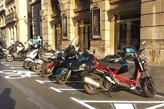 Estudiarán flujos de tráfico para paliar la falta de aparcamiento en San Sebastián