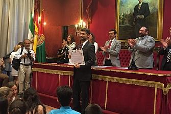 El Ayuntamiento de Granada reconoce a la Asociación Mutua Motera su trabajo por la Seguridad Vial