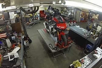 Así se repara la trasmisión de la Yamaha R1