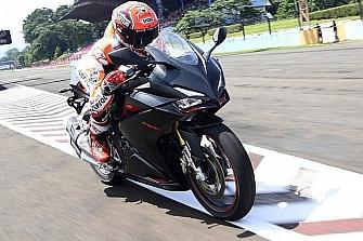 Marc Márquez prueba la Honda CBR250RR