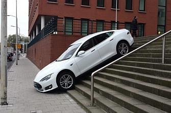Los test de los coches autónomos se centran en la protección al motorista