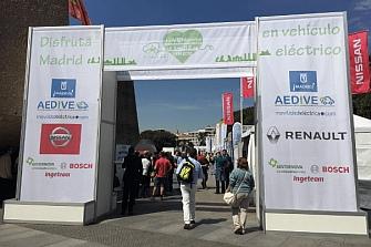 Descubre el nuevo mundo de la movilidad eléctrica en la plaza Colón