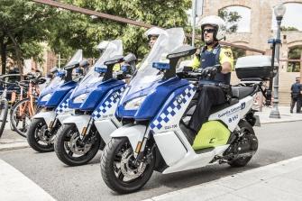 BMW hace entrega de 30 C Evolution a la Guardia Urbana de Barcelona
