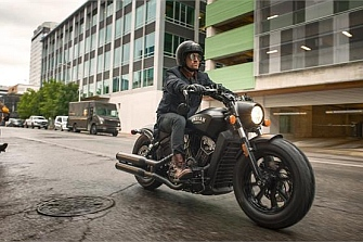 Indian Scout Bobber, vestida años 50