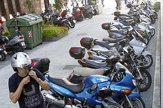 Demandan más aparcamientos para el creciente parque de motos en Vigo