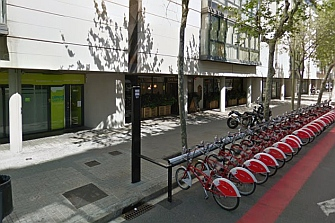 Las bicicletas atropellan tantos peatones como los coches en Barcelona