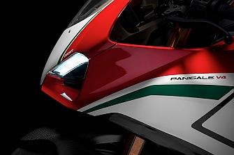 """EICMA 2017: Ducati Panigale V4 """"Moto più bella"""""""