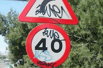 Cada día se sustituyen de 30 a 50 señales de tráfico