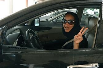 Las mujeres sauditas podrán conducir motos