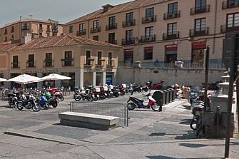 Segovia reordena sus parking de motos