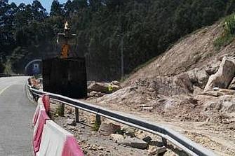 Instalan guardarraíles de doble bionda en el túnel de Montealegre