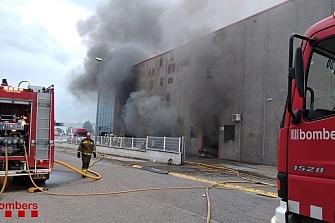 Se quema parte de la fábrica de Gas Gas en Salt