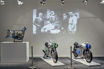 La primera exposición temporal del Museo Ducati estará dedicada a Mike Hailwood