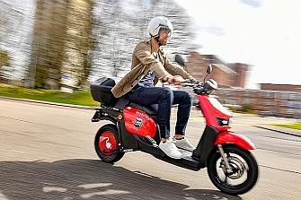 Silence aporta 200 scooter eléctricos a Mobility