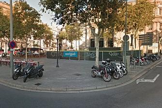 Reducirán los aparcamientos de moto en el distrito barcelonés de Ciutat Vella