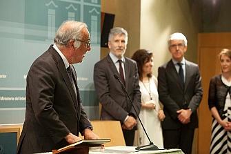 El ministro del Interior sigue las recomendaciones del nuevo director de la DGT