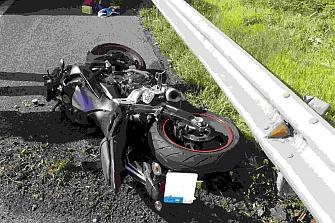 Un motorista muere tras chocar contra un guardarraíl en Barcelona