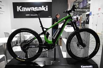 Kawasaki también se apunta a la moda de las e-mbt