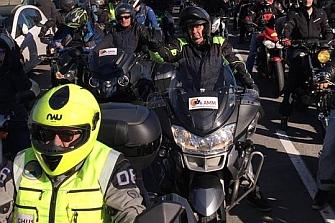 Más de 5.000 motos nos manifestamos para decir #BarcelonaenMotoSí