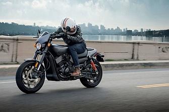 Conducir en moto permite dejar atrás el estrés