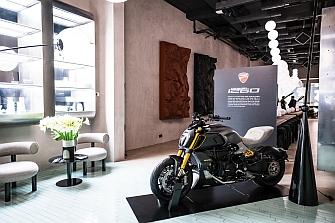 Ducati lleva su `Diavel 1260 Materico´ en la Semana del Diseño de Milán