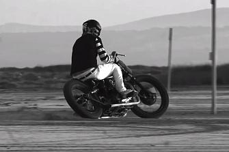Arte, motos, olas… Wheels & Waves