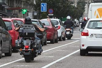 Cierre de un aparcamiento y reapertura de carril moto en Vigo