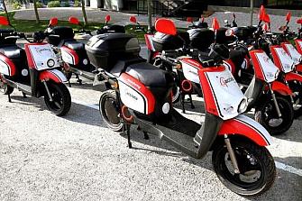 Polémica por el motosharing y las plazas de aparcamiento en Valencia
