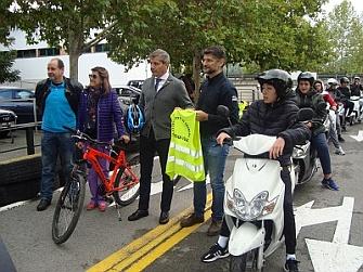 200 Jóvenes se forman en la conducción segura de ciclomotores y bicicletas en las XVIII Jornadas Moteras Ayuntamiento de Granada