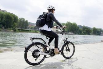Tráfico niega que vaya a crear un carné para ciclistas