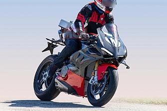 El CEO de Ducati confirma una versión `Superllegera´ de la Panigale V4