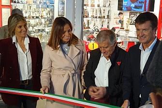 Giacomo Agostini inaugura en Bérgamo el museo a su memoria