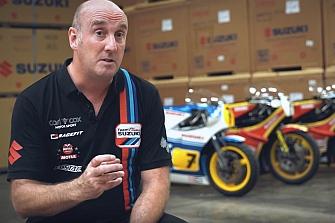 Restauran dos Suzukis de competición del piloto `Barry Sheene´