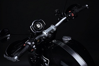 Triumph Scrambler 1200 Bond Edition, la moto de 007 se agota nada más salir