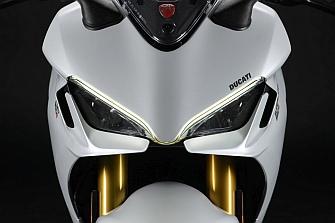 Ducati SuperSport 950 2021, renovada y con derroche de equipamiento
