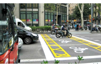 """El PSE-EE propone """"zonas avanzadas"""" para motos en San Sebastián"""