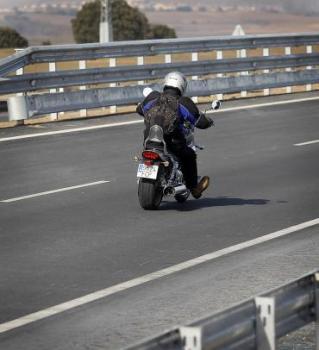 Burgos. La A-1 ya cuenta con sistemas de protección para motoristas