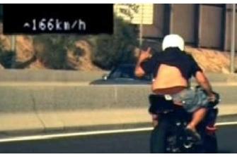 Detenido el conductor de una moto que le hizo un dedo al radar de la M-30