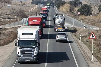 El 61% de las víctimas en la N-I fallecen en accidentes con camiones