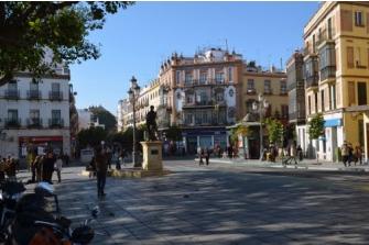 El Ayuntamiento de Sevilla instalará un aparcamiento de motos en el Altozano