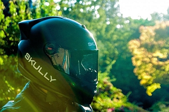 La revolución del casco inteligente se llama Skully AR-1